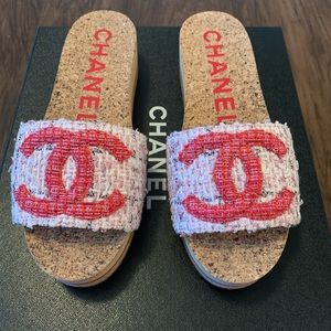 NEW Authentic Rare Chanel Tweed Mules